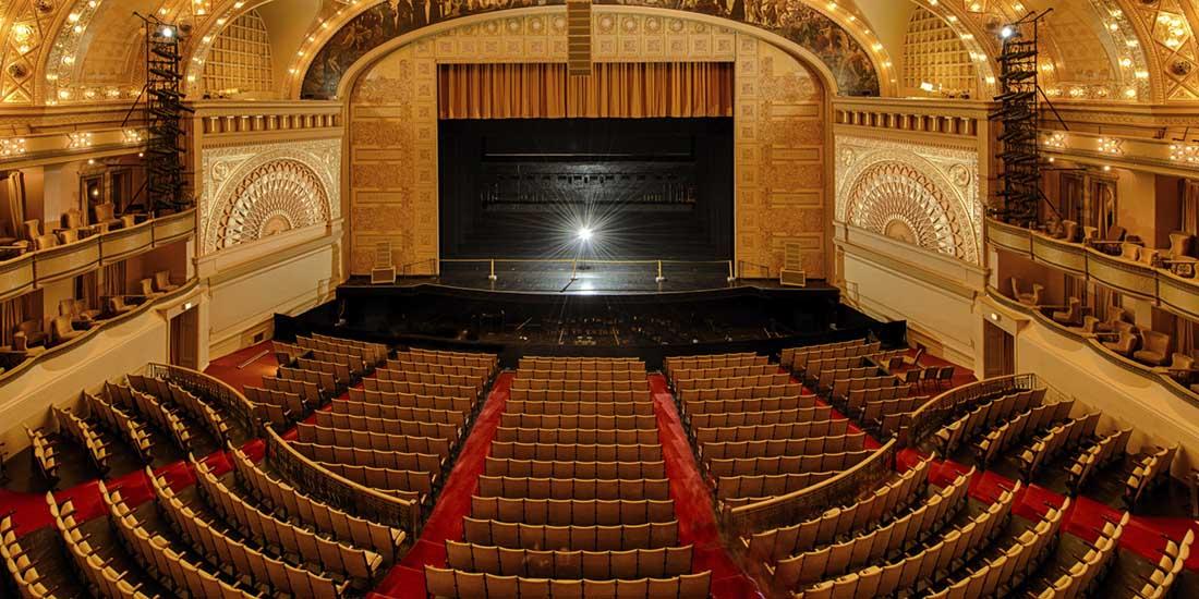 pavimenti silenziosi e belli per cinema e teatri sit in. Black Bedroom Furniture Sets. Home Design Ideas